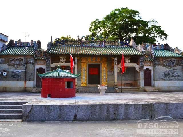 大凹关帝庙自驾游推荐: 推荐1:大凹关帝庙是鹤山市级文物保护单位.