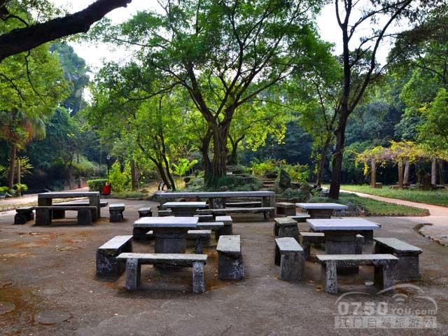 共乐园自驾游推荐: 推荐1:共乐园是珠海三大名园之一.