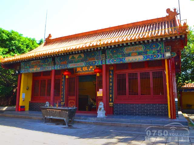 推荐1:南海观音寺距今已有一千年历史,风景极佳,实为灵山胜地.